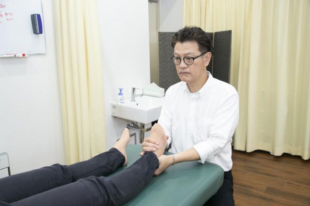 足首の施術写真